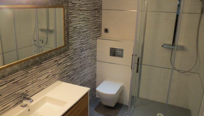 Servizio bagno arredare con stile un piccolo bagno di - Arredo bagno trieste ...